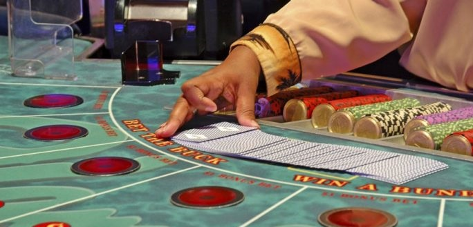 baccarat, how to play baccarat, baccarat gambling